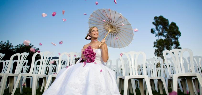 Зонтик в свадебном интерьере